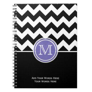 紫色の白黒シェブロンのモノグラムのノート ノートブック