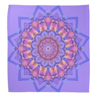紫色の目まぐるしいモチーフの円形浮彫りのバンダナ バンダナ