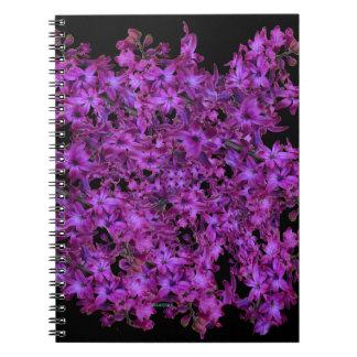 紫色の紫色の抽象芸術のHyacinthの黒の花柄 ノートブック