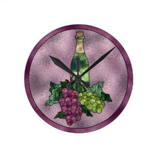 紫色の緑ののどのステンドグラスのワインおよびブドウ ラウンド壁時計