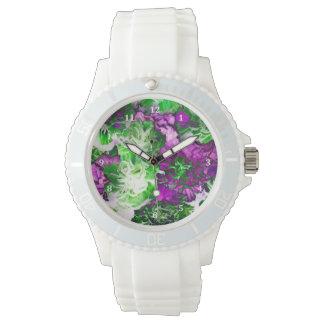 紫色の緑のカーネーションの花 ウォッチ