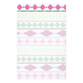紫色の緑の種族の幾何学的なパターン 便箋