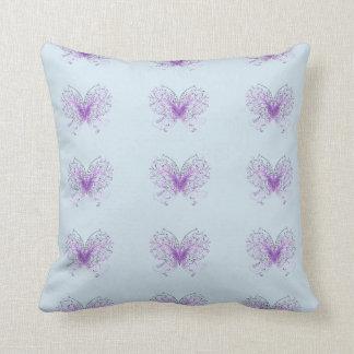 紫色の翼 クッション