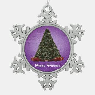 紫色の背部の緑豊かな緑のクリスマスツリー スノーフレークピューターオーナメント