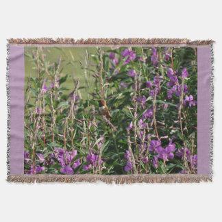 紫色の花のハチドリ スローブランケット