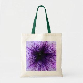 紫色の花のマクロ写真撮影 トートバッグ
