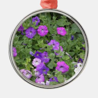 紫色の花の春の庭のテーマのペチュニアの花柄 メタルオーナメント