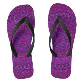 紫色の花の曼荼羅 ビーチサンダル