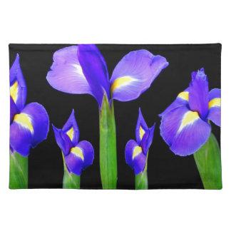 紫色の花の花花束のエレガントでロマンチックなギフト ランチョンマット