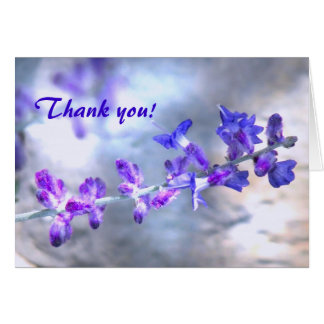 紫色の花は感謝していしています カード