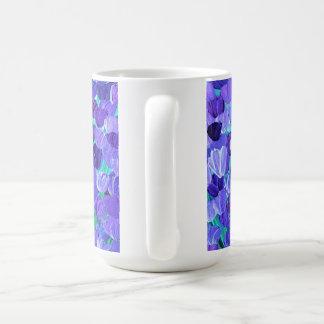 紫色の花びら コーヒーマグカップ