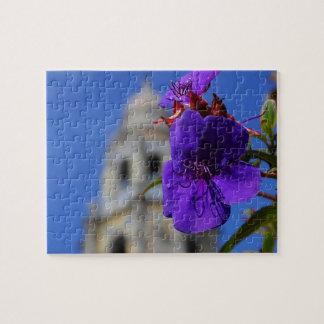 紫色の花及びタワーのパズル ジグゾーパズル
