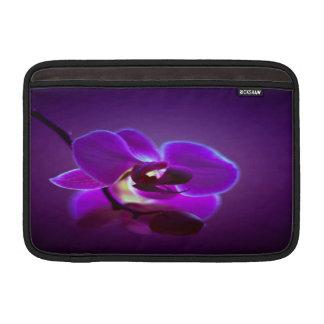 紫色の蘭 MacBook スリーブ