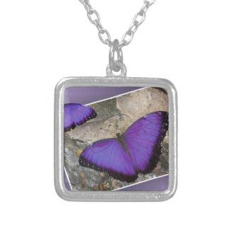 紫色の蝶 シルバープレートネックレス