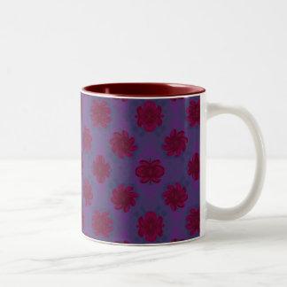 紫色の赤い花パターン ツートーンマグカップ