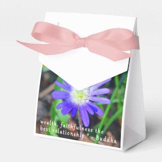 紫色の野生の花の感動的なテントの好意箱 フェイバーボックス