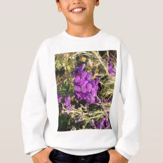 紫色の野生の花 スウェットシャツ