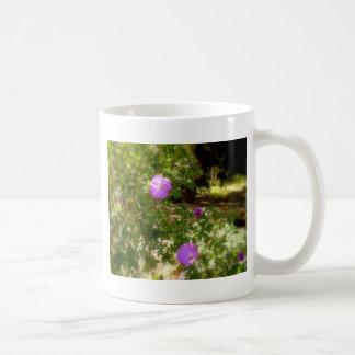 紫色の開花 コーヒーマグカップ