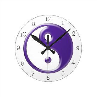 紫色の陰陽の円形の時計 ラウンド壁時計