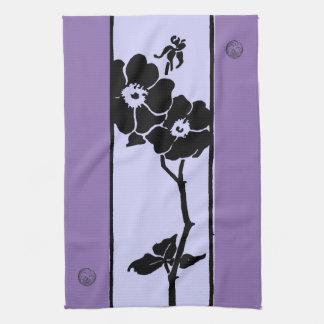 紫色の陰: 暗闇およびライト開いた花 キッチンタオル