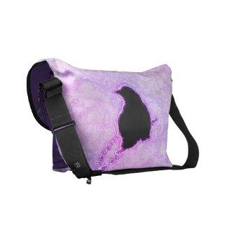 紫色の霞の黒い鳥 メッセンジャーバッグ
