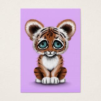 紫色の青い目を持つかわいいベビーの虎の子 チャビ―名刺