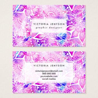 紫色の青いhennaのbohoの花の曼荼羅パターン 名刺