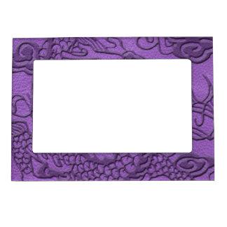 紫色の革プリントのエンボスのドラゴン マグネットフレーム
