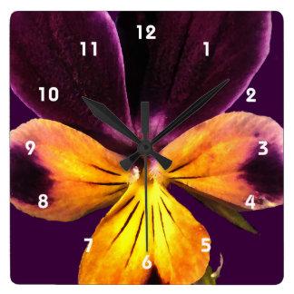 紫色の黄色い花の抽象芸術の花柄の時計 スクエア壁時計