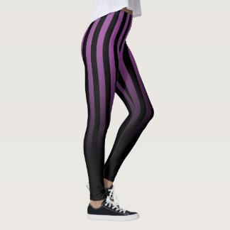 紫色の黒のストライプは黒くするために衰退します レギンス