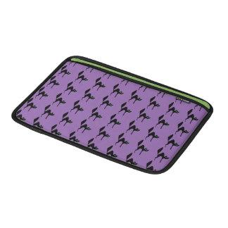 紫色の黒猫ハロウィン MacBook スリーブ