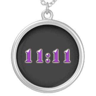 紫色の11:11数 シルバープレートネックレス