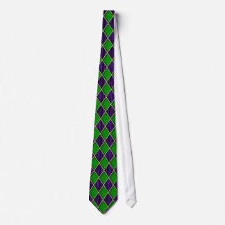 紫色のBkgrdの謝肉祭のタイの緑のダイヤモンド ネクタイ