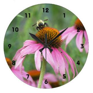 紫色のConeflowerの蜂 ラージ壁時計