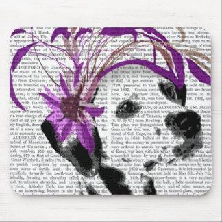 紫色のFascinatorのダルマチア人 マウスパッド