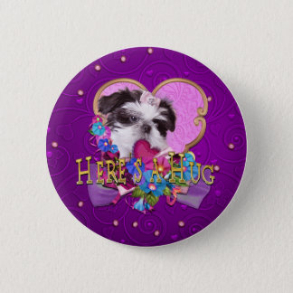 紫色のHeresのシーズー(犬)のTzuの子犬抱擁 缶バッジ