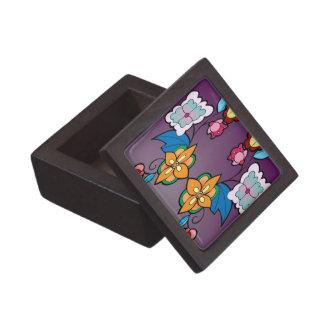 紫色のOjibweの花柄 ギフトボックス