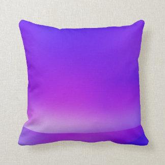 紫色または青の抽象的な枕 クッション