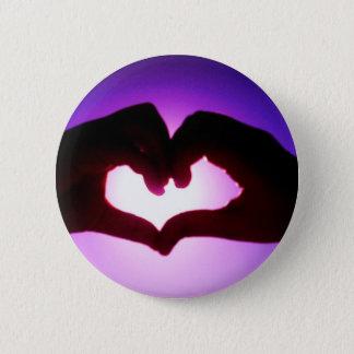 紫色ハート手 缶バッジ
