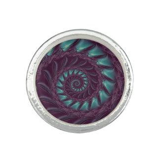 紫色及び水の螺線形のフラクタルのリング リング
