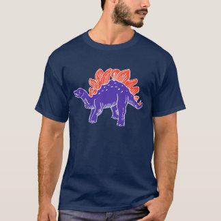 紫色及び赤いステゴサウルスの人のTシャツ Tシャツ