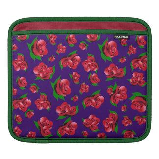 紫色及び赤いバラパターンipadの場合 iPadスリーブ