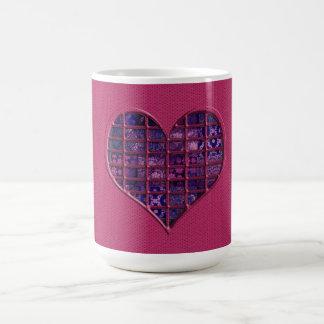 紫色材料とのピンクの粋でガーリーなハート コーヒーマグカップ