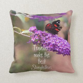 紫色 のBlack 赤い蝶写真 クッション