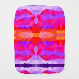 紫色、ピンクおよびオレンジ絞り染めのバープクロス バープクロス