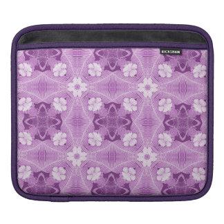 紫色、ラベンダーのアフリカの種族パターン iPadスリーブ