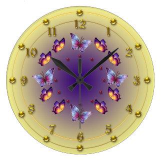 累進的で黄色および紫色の蝶リング ラージ壁時計