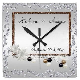 組み立てられた優雅の結婚式 スクエア壁時計