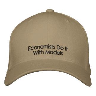 経済学者はモデル薄い色の文字の帽子とのそれをします 刺繍入りキャップ