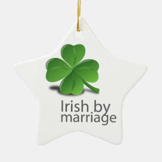 結婚のデザインによるアイルランド語 陶器製星型オーナメント
